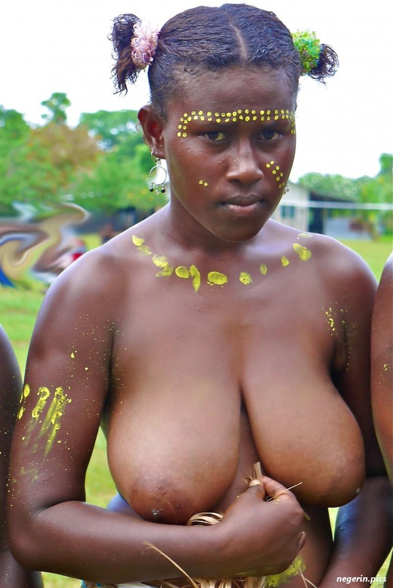 армию видео голые племена в африке одна соска