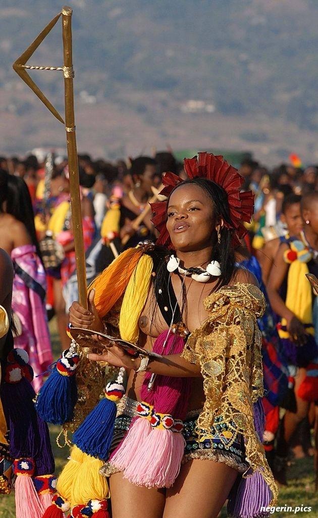 jenner-zulu-royal-reed-upskirt-school-white