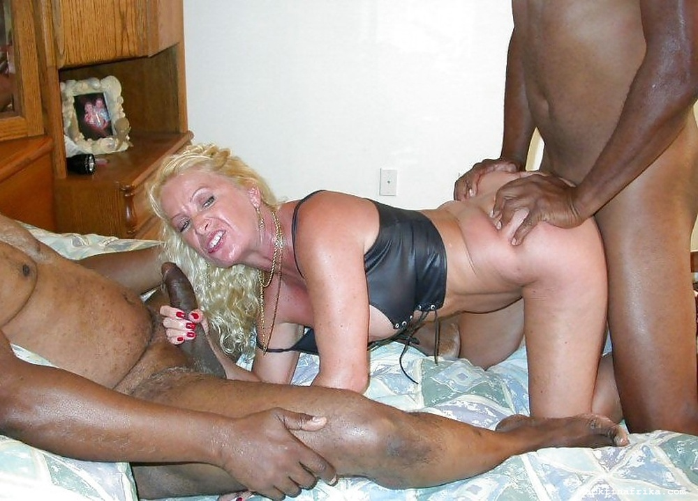 Mature female black porn — photo 14